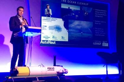 Phil Johnston presenting at the Marine Autonomy and Technology Showcase